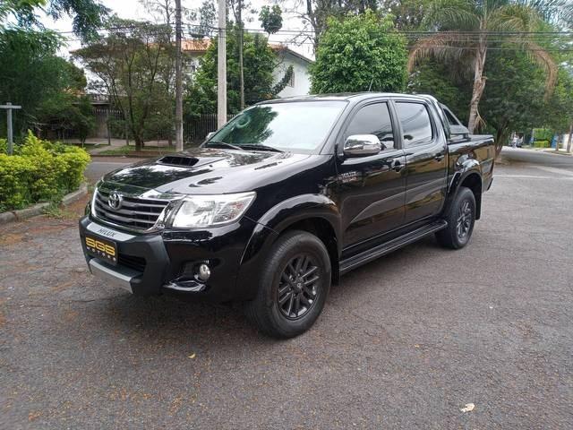 //www.autoline.com.br/carro/toyota/hilux-30-srv-limited-cd-16v-diesel-4p-4x4-turbo-aut/2015/sao-paulo-sp/15809949