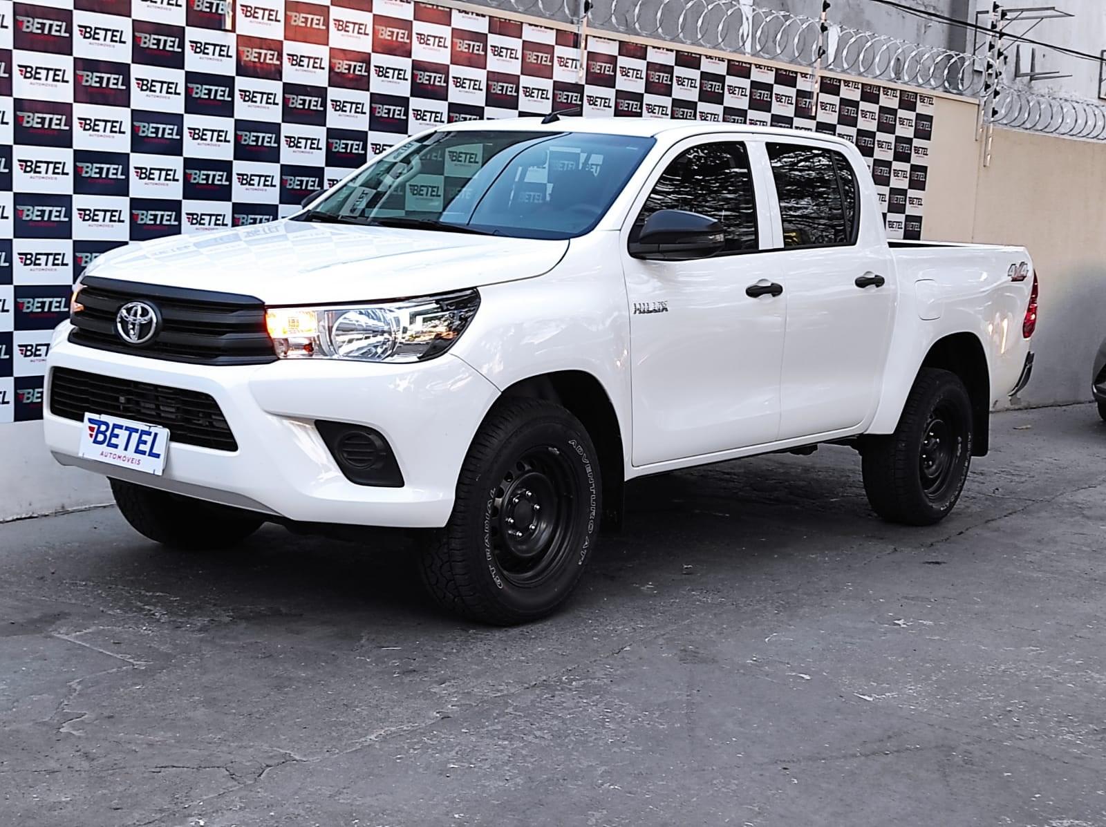 //www.autoline.com.br/carro/toyota/hilux-28-cd-std-narrow-16v-diesel-4p-4x4-turbo-manu/2020/varzea-grande-mt/15900036