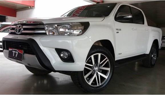 //www.autoline.com.br/carro/toyota/hilux-27-srv-16v-picape-flex-4p-automatico/2017/varzea-grande-mt/7380597