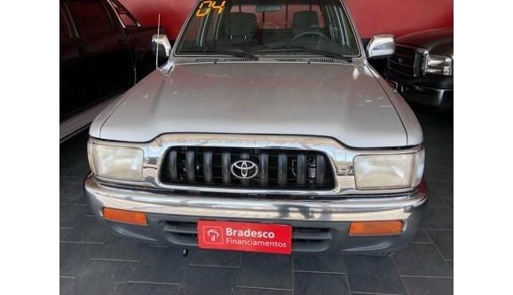 //www.autoline.com.br/carro/toyota/hilux-30-sr-4x4-mt-90cv-4p-diesel-manual/2004/itaporanga-sp/7413742