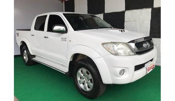 //www.autoline.com.br/carro/toyota/hilux-30-srv-16v-picape-diesel-4p-automatico-4x4-tu/2011/xanxere-sc/7565893