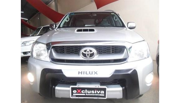 //www.autoline.com.br/carro/toyota/hilux-30-srv-4x4-at-turbo-ic-16v-163cv-4p-diesel-au/2010/sao-jose-do-rio-preto-sp/7577195