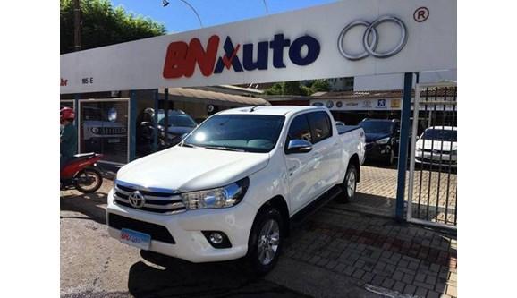 //www.autoline.com.br/carro/toyota/hilux-27-srv-16v-picape-flex-4p-automatico/2017/chapeco-sc/7590344
