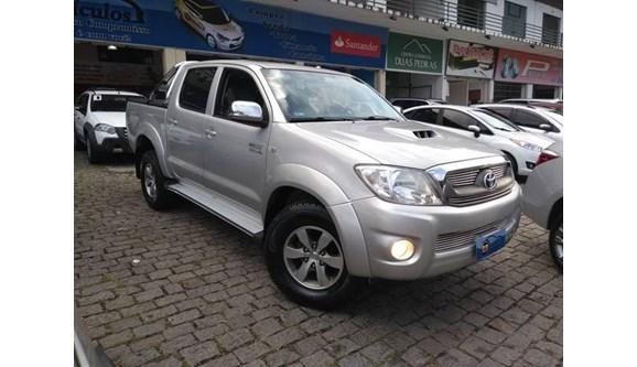 //www.autoline.com.br/carro/toyota/hilux-30-srv-16v-picape-diesel-4p-manual/2010/bom-jardim-rj/7905804