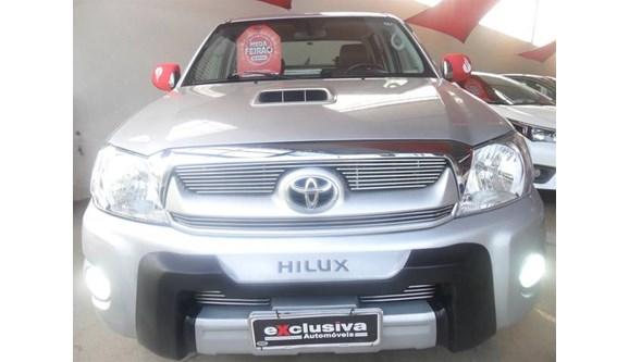 //www.autoline.com.br/carro/toyota/hilux-30-srv-4x4-at-turbo-ic-16v-163cv-4p-diesel-au/2010/sao-jose-do-rio-preto-sp/8062327