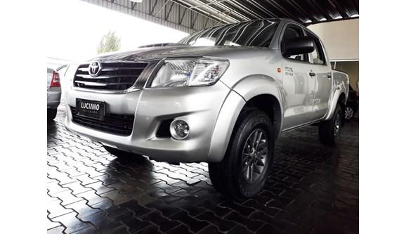 //www.autoline.com.br/carro/toyota/hilux-30-std-16v-picape-diesel-4p-manual-4x4-turbo/2014/ponta-grossa-pr/8071204