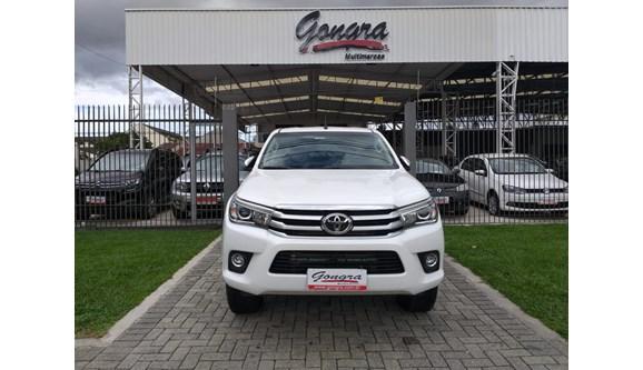 //www.autoline.com.br/carro/toyota/hilux-28-srx-16v-picape-diesel-4p-automatico-4x4-tu/2018/curitiba-pr/8366155