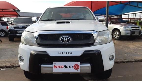 //www.autoline.com.br/carro/toyota/hilux-30-srv-4x4-at-turbo-ic-16v-163cv-4p-diesel-au/2010/campo-grande-ms/8459860