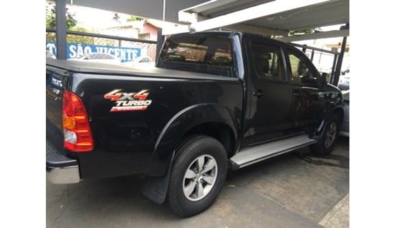 //www.autoline.com.br/carro/toyota/hilux-30-srv-16v-picape-diesel-4p-manual/2009/aracatuba-sp/6400494