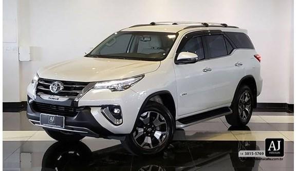 //www.autoline.com.br/carro/toyota/hilux-sw4-28-srx-diamond-16v-diesel-4p-automatico-4x4-t/2019/botucatu-sp/10600444