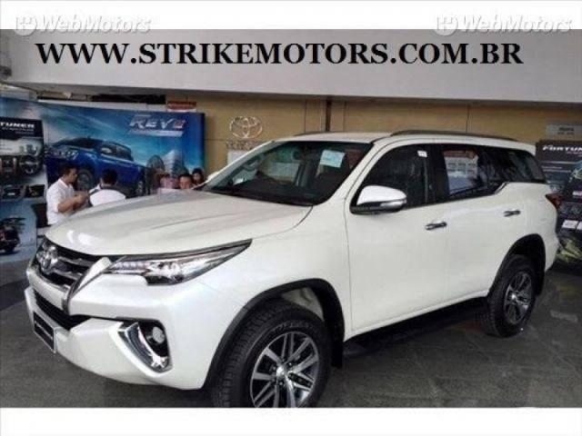 //www.autoline.com.br/carro/toyota/hilux-sw4-28-srx-16v-diesel-4p-automatico-4x4-turbo-int/2020/sao-paulo-sp/10721348
