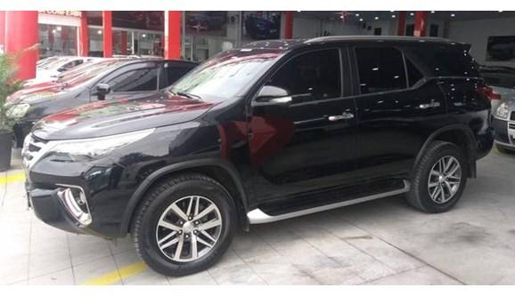 //www.autoline.com.br/carro/toyota/hilux-sw4-28-srx-16v-diesel-4p-automatico-4x4-turbo-int/2018/rio-das-ostras-rj/10810122