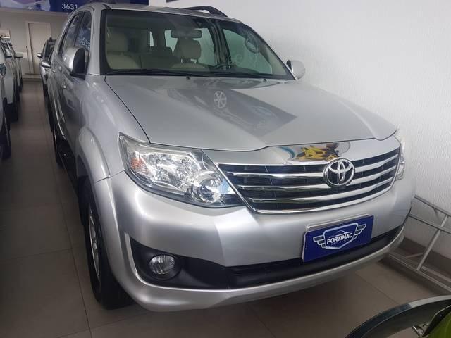 //www.autoline.com.br/carro/toyota/hilux-sw4-27-sr-16v-flex-4p-automatico/2013/santo-antonio-de-jesus-ba/10812067