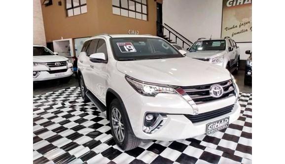 //www.autoline.com.br/carro/toyota/hilux-sw4-28-srx-16v-diesel-4p-automatico-4x4-turbo-int/2019/sao-paulo-sp/10923624