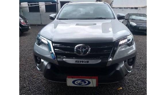 //www.autoline.com.br/carro/toyota/hilux-sw4-28-srx-16v-diesel-4p-automatico-4x4-turbo-int/2018/orlandia-sp/10997933