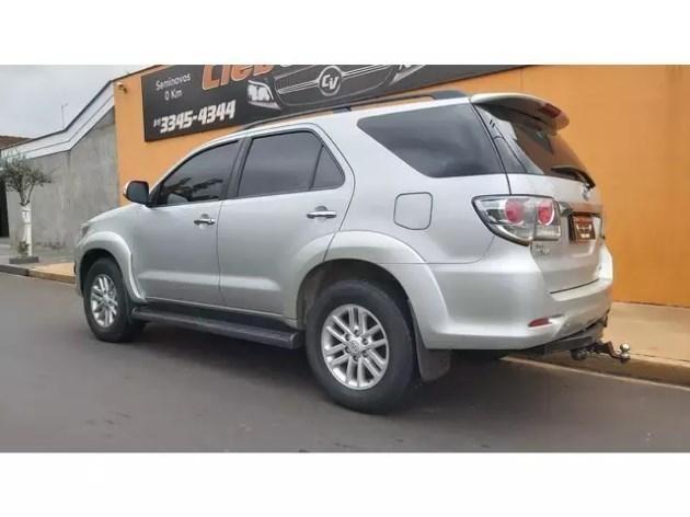 //www.autoline.com.br/carro/toyota/hilux-sw4-30-srv-16v-diesel-4p-4x4-turbo-automatico/2012/bebedouro-sp/11022567