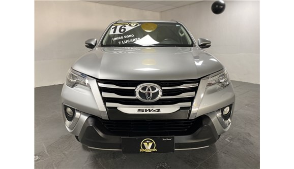 //www.autoline.com.br/carro/toyota/hilux-sw4-28-srx-16v-diesel-4p-automatico-4x4-turbo-int/2016/mesquita-rj/11642686