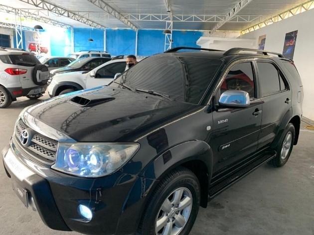 //www.autoline.com.br/carro/toyota/hilux-sw4-30-srv-16v-diesel-4p-4x4-turbo-automatico/2010/camacari-ba/11808723