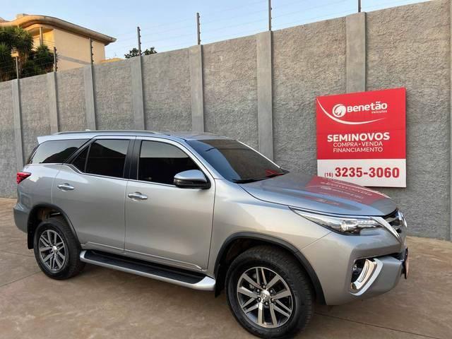 //www.autoline.com.br/carro/toyota/hilux-sw4-28-srx-16v-diesel-4p-automatico-4x4-turbo-int/2018/ribeirao-preto-sp/12285036