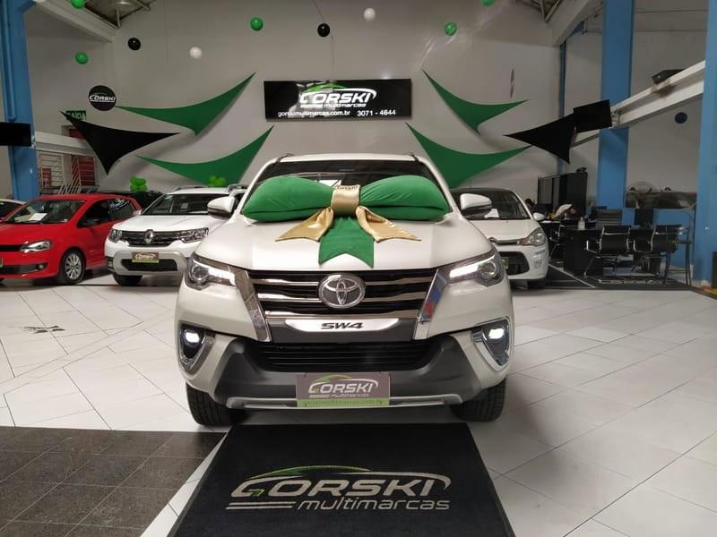 //www.autoline.com.br/carro/toyota/hilux-sw4-28-srx-diamond-16v-diesel-4p-automatico-4x4-t/2019/curitiba-pr/12519551