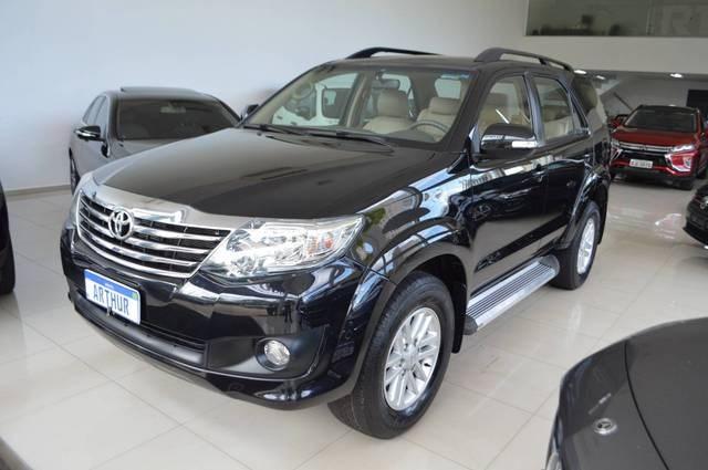 //www.autoline.com.br/carro/toyota/hilux-sw4-27-sr-16v-flex-4p-automatico/2012/bauru-sp/13343234
