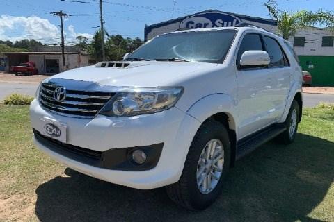 //www.autoline.com.br/carro/toyota/hilux-sw4-30-srv-16v-diesel-4p-automatico-4x4-turbo-int/2012/guaiba-rs/13391395