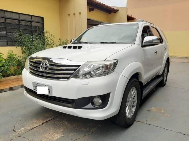 //www.autoline.com.br/carro/toyota/hilux-sw4-30-srv-16v-diesel-4p-automatico-4x4-turbo-int/2012/goiania-go/13404515