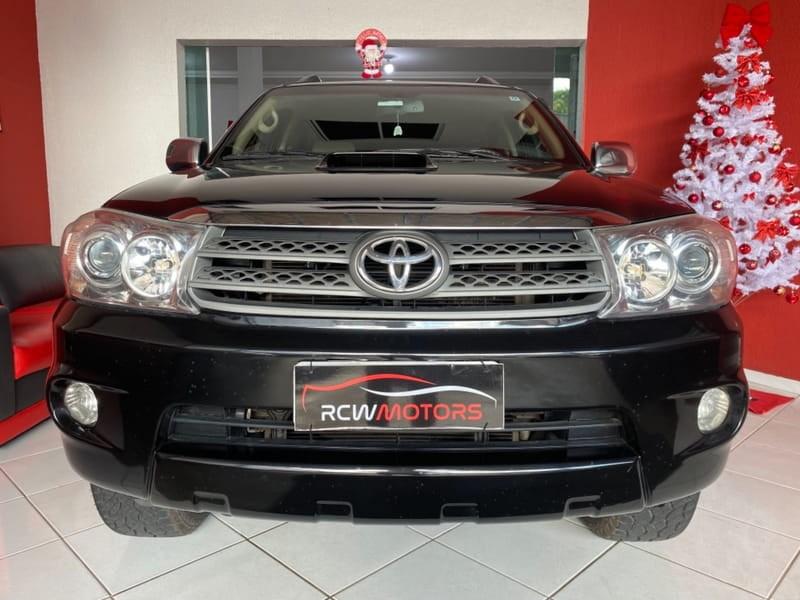 //www.autoline.com.br/carro/toyota/hilux-sw4-30-srv-4x4-at-turbo-ic-16v-163cv-4p-diesel-au/2011/curitiba-pr/13580523
