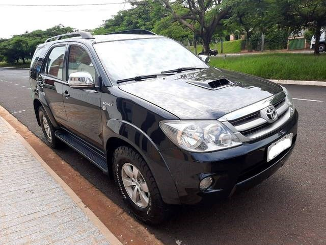 //www.autoline.com.br/carro/toyota/hilux-sw4-30-srv-4x4-at-turbo-ic-16v-163cv-4p-diesel-au/2008/ribeirao-preto-sp/13919261