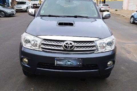 //www.autoline.com.br/carro/toyota/hilux-sw4-30-srv-16v-diesel-4p-4x4-turbo-automatico/2010/mossoro-rn/14252375