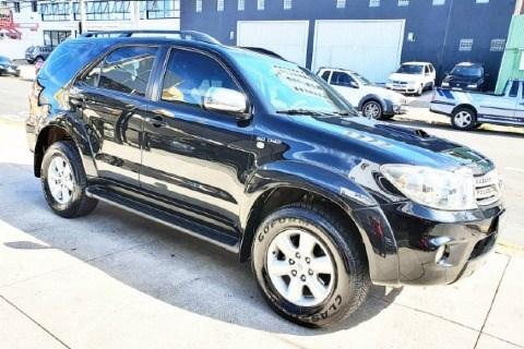 //www.autoline.com.br/carro/toyota/hilux-sw4-30-srv-16v-diesel-4p-4x4-turbo-automatico/2011/campinas-sp/14774650