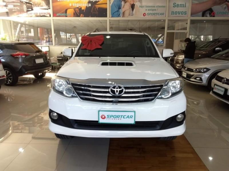 //www.autoline.com.br/carro/toyota/hilux-sw4-30-srv-7l-16v-diesel-4p-4x4-turbo-automatico/2015/campinas-sp/14775611