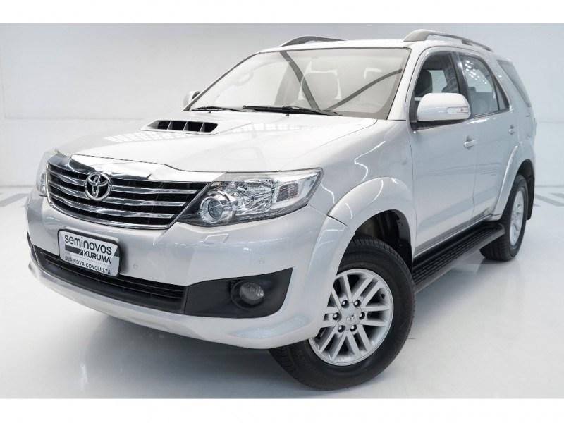 //www.autoline.com.br/carro/toyota/hilux-sw4-30-srv-16v-diesel-4p-4x4-turbo-automatico/2012/vitoria-es/14861837