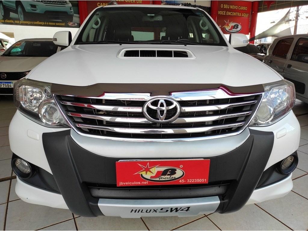 //www.autoline.com.br/carro/toyota/hilux-sw4-30-srv-7l-16v-diesel-4p-4x4-turbo-automatico/2015/cascavel-pr/14865127