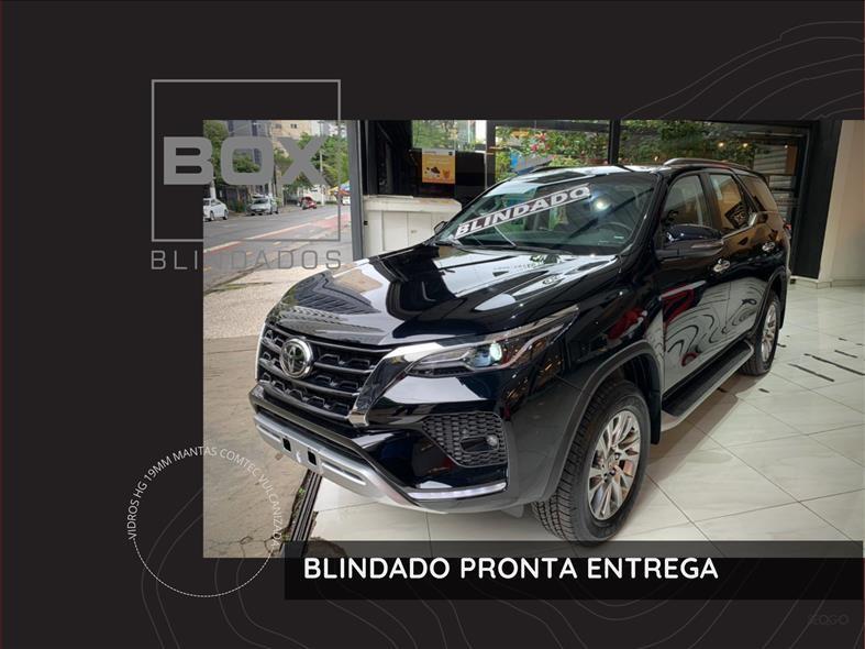 //www.autoline.com.br/carro/toyota/hilux-sw4-28-srx-7l-16v-diesel-4p-4x4-turbo-automatico/2021/sao-paulo-sp/14870258
