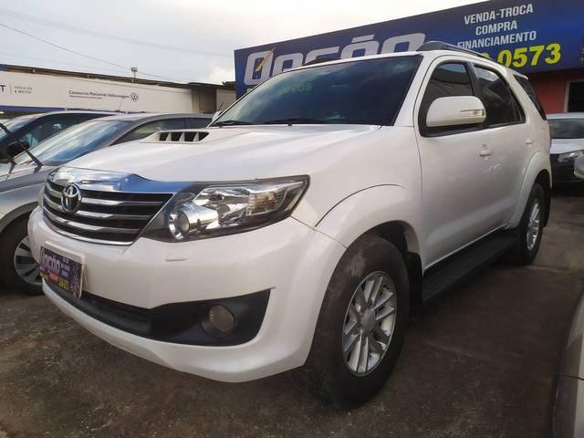 //www.autoline.com.br/carro/toyota/hilux-sw4-30-srv-16v-diesel-4p-4x4-turbo-automatico/2014/sao-luis-ma/14870668