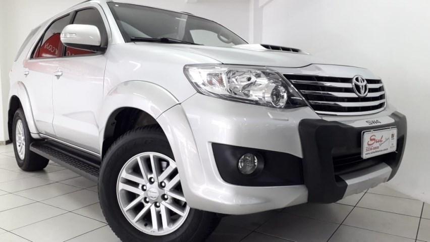//www.autoline.com.br/carro/toyota/hilux-sw4-30-srv-16v-diesel-4p-4x4-turbo-automatico/2013/ponta-grossa-pr/14896090