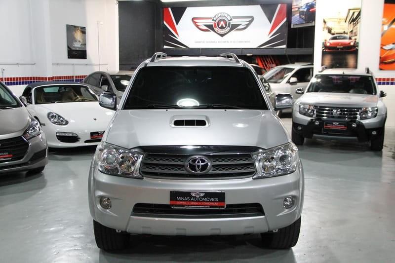 //www.autoline.com.br/carro/toyota/hilux-sw4-30-srv-16v-diesel-4p-4x4-turbo-automatico/2010/belo-horizonte-mg/14983934