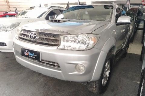 //www.autoline.com.br/carro/toyota/hilux-sw4-30-srv-16v-diesel-4p-4x4-turbo-automatico/2011/campina-grande-pb/15296382