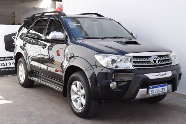 //www.autoline.com.br/carro/toyota/hilux-sw4-30-srv-16v-diesel-4p-4x4-turbo-automatico/2009/conceicao-dos-ouros-mg/15627571