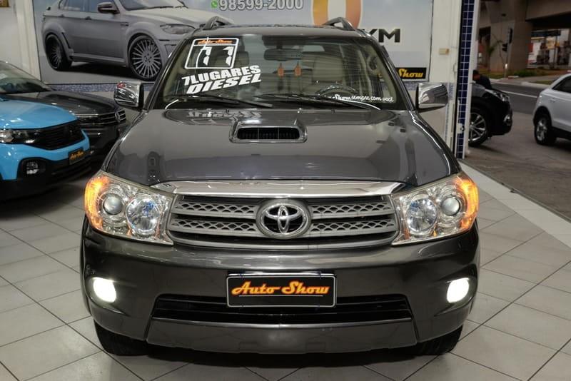 //www.autoline.com.br/carro/toyota/hilux-sw4-30-srv-16v-diesel-4p-4x4-turbo-automatico/2011/sao-paulo-sp/15654396
