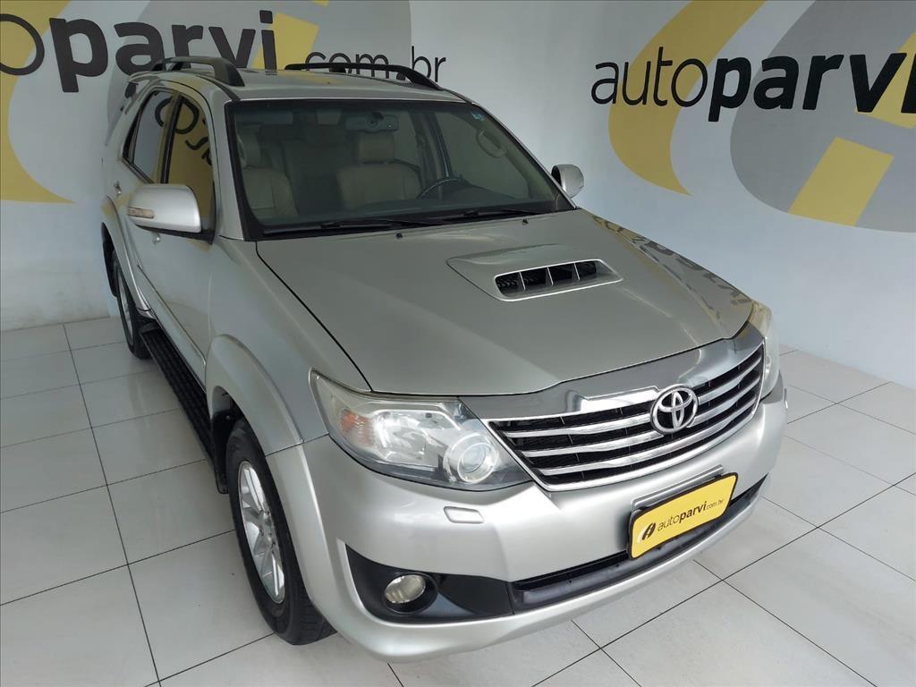 //www.autoline.com.br/carro/toyota/hilux-sw4-30-srv-16v-diesel-4p-4x4-turbo-automatico/2013/recife-pe/15705731
