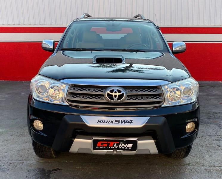 //www.autoline.com.br/carro/toyota/hilux-sw4-30-srv-16v-diesel-4p-4x4-turbo-automatico/2010/curitiba-pr/15712383