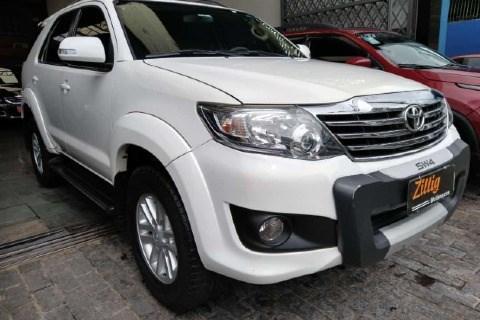 //www.autoline.com.br/carro/toyota/hilux-sw4-27-sr-16v-flex-4p-automatico/2013/sao-paulo-sp/15717214