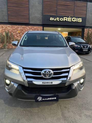 //www.autoline.com.br/carro/toyota/hilux-sw4-28-tdi-srx-7l-16v-diesel-4p-4x4-automatico/2018/campina-grande-pb/15777203