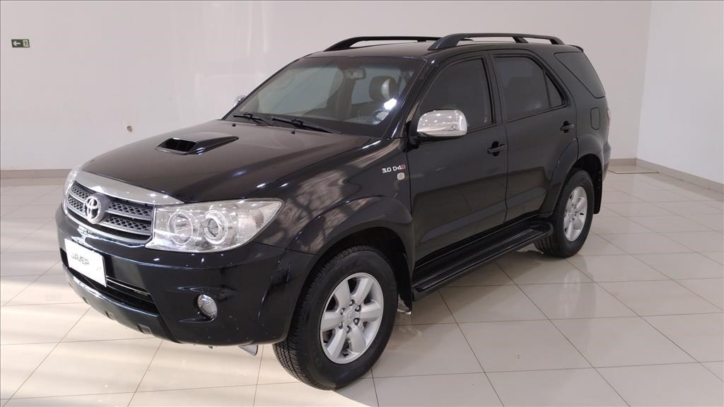 //www.autoline.com.br/carro/toyota/hilux-sw4-30-srv-16v-diesel-4p-4x4-turbo-automatico/2009/jau-sp/15868636