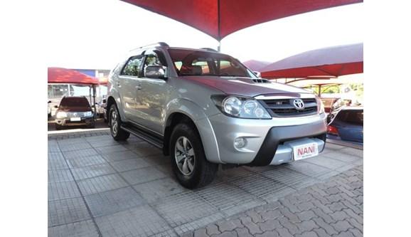 //www.autoline.com.br/carro/toyota/hilux-sw4-30-srv-4x4-mt-turbo-ic-16v-163cv-4p-diesel-ma/2008/ivoti-rs/7488082