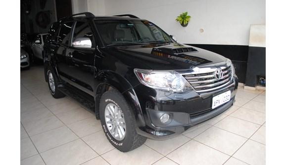 //www.autoline.com.br/carro/toyota/hilux-sw4-30-srv-4x4-at-turbo-ic-16v-7lug-163cv-4p-dies/2013/londrina-pr/7910670