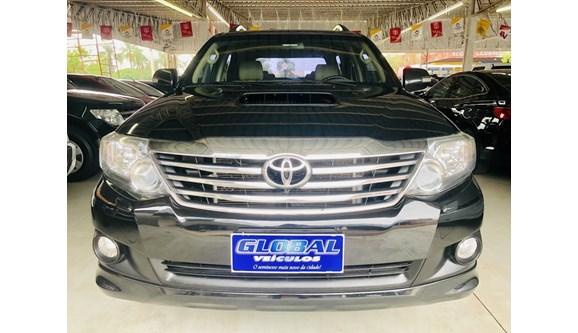 //www.autoline.com.br/carro/toyota/hilux-sw4-30-srv-4x4-at-turbo-ic-16v-7lug-163cv-4p-dies/2013/toledo-pr/8149170