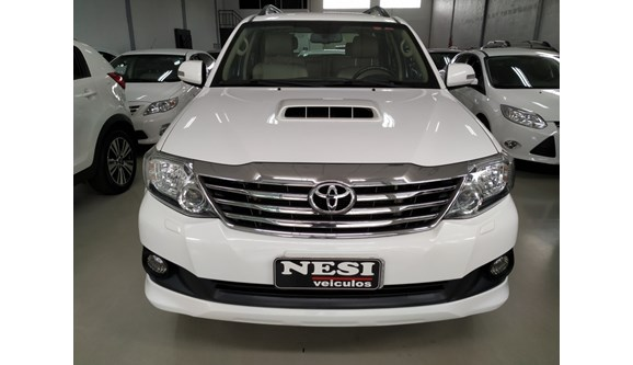 //www.autoline.com.br/carro/toyota/hilux-sw4-30-srv-16v-diesel-4p-automatico-4x4-turbo-int/2014/francisco-beltrao-pr/8238433